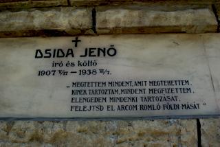 Dsida Jenõ kriptafelirata a Házsongárdi temetõben